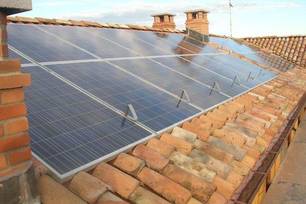 pannelli fotovoltaici su tegole